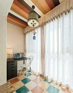 阳台贴瓷砖怎么样?  阳台瓷砖铺贴需要贴到顶吗?