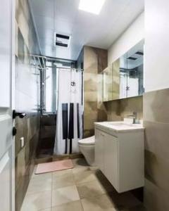 127平米五口之家 北欧混搭风格三室两厅装修实景图