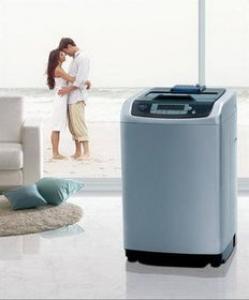 别让细菌污染你的衣物 家用洗衣机清洗有妙招