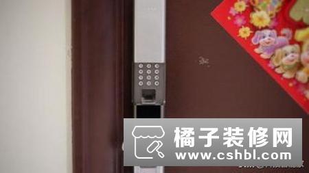 米家智能门锁推拉式简单体验 旧家换新锁门槛更低